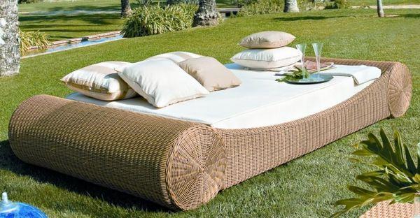 Luksusowe rattanowe łóżko do ogrodu