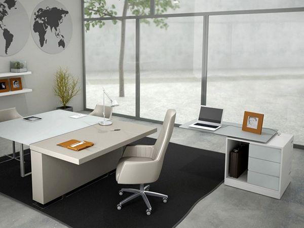 Mała, biała komódka biurowa pod komputer