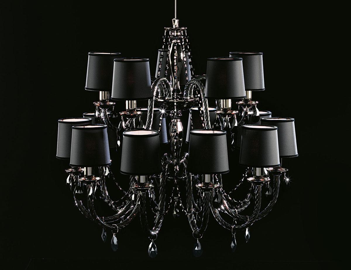 Stylowy, szklany, czarny żyrandol z kryształkami Swarovskiego, łączacy klasyczny i nowoczesny styl