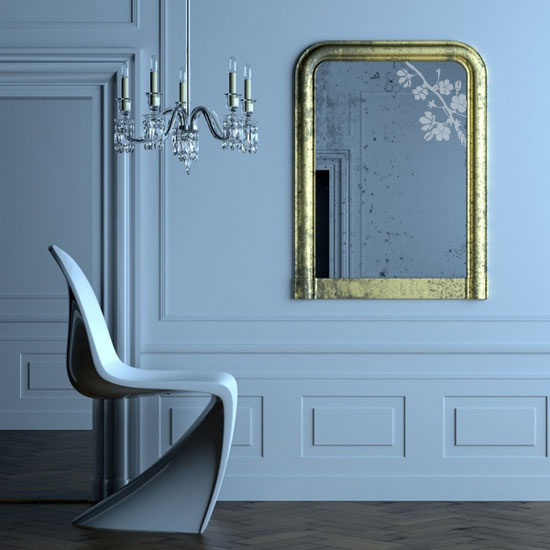 Dekoracyjna naklejka, gałązka z kwiatami, przyklejona na lustrze