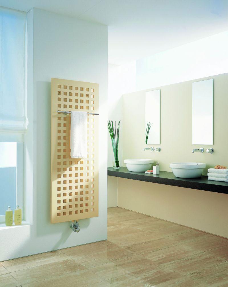 Płytowy dekoracyjny grzejnik łazienkowy Kermi Karotherm - panel z kwadratowymi otworami