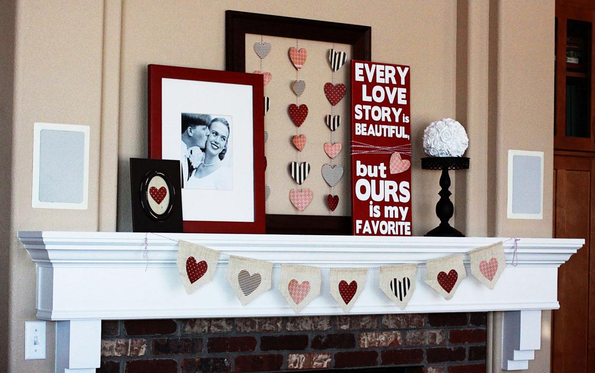 Inspiracje i pomysły na ozdoby walentynkowe: ręcznie robione, wyszywane, materiałowe serduszka, romantyczny wierszyk i zdjęcie oprawione w ramkę