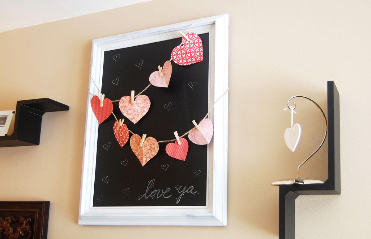 Pomysł jak zrobić proste dekoracje i ozdoby z okazji Walentynek - papierowe serduszka, kartki ręcznie robione, zrób to sam DIY