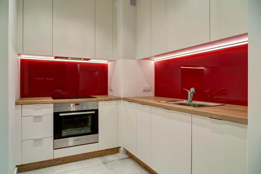 perfect-space-barwy-szczescia-czyli-kolor-w-aranzacji-wnetrz-kuchnia-czerwien