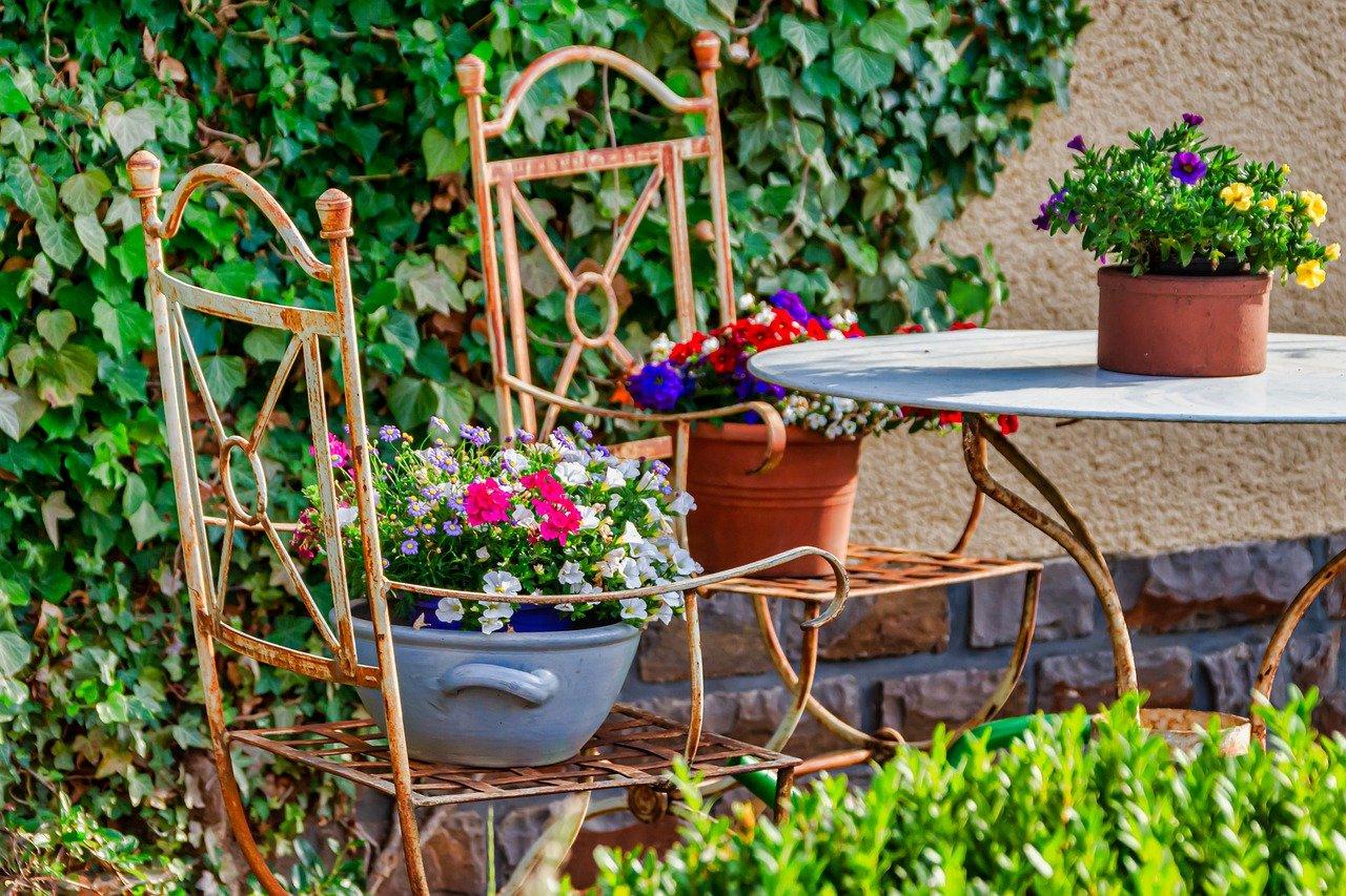 Oryginalne pomysły na meble ogrodowe