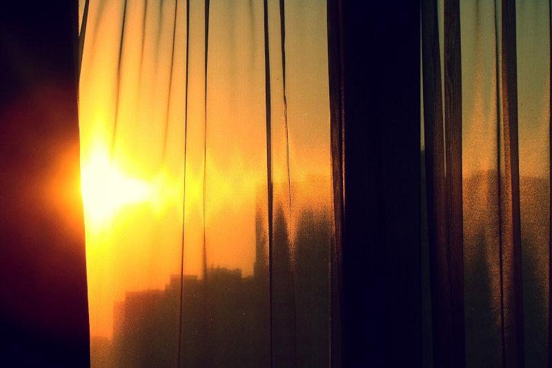 osłona okna przed słońcem